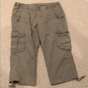 Gap capri cargo pants